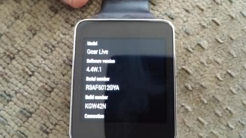 Samsung Gear Live с Android 4.4W.1