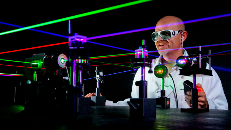 laser science This group conducts research and development in quantum electronics, in particular laser spectroscopy applied to sensitive, selective and real-time trace gas detection, and laser applications in environmental monitoring, chemical analysis, industrial process control, and medical diagnostics.