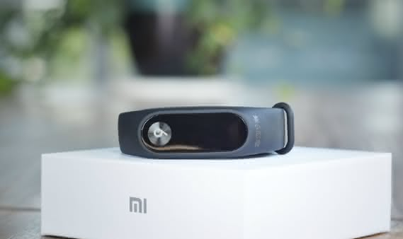 Анонс Xiaomi Mi Band 2 Mi6 Commemorative Edition