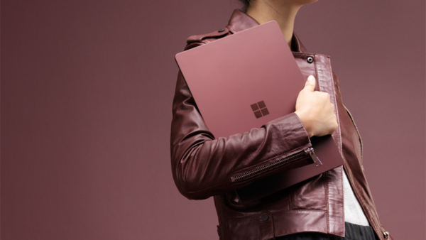 Microsoft Surface Laptop показали до анонса